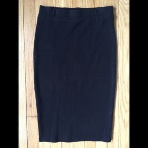 H&M black stretch pencil skirt (below knee)